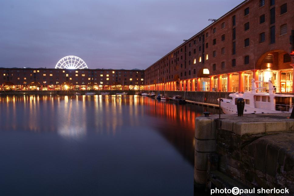 LIVERPOOL_Albert_Dock_in-Big_Wheel